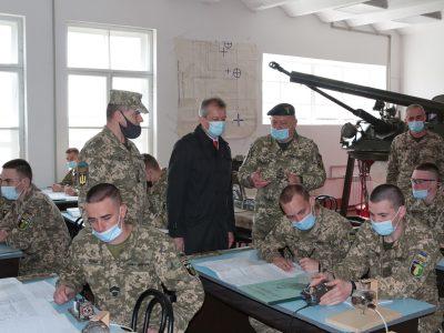 Перспективи розвитку військової освіти обговорили в Харкові