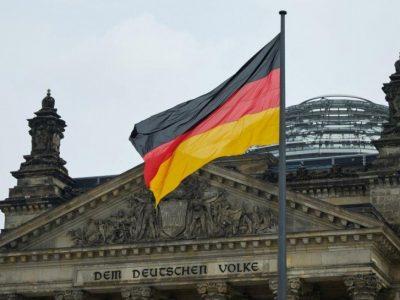 Уряд Німеччини висловив занепокоєння щодо скупчення військ РФ біля кордону з Україною