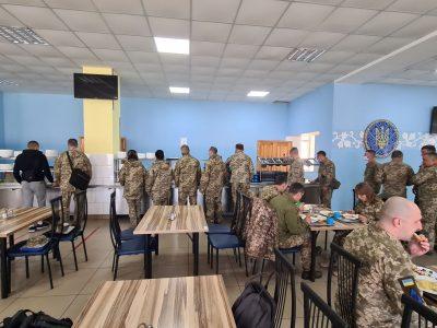 Відео із силіконовим реквізитом у тарілці курсанта спочатку з'явилося на російському інтернет-ресурсі