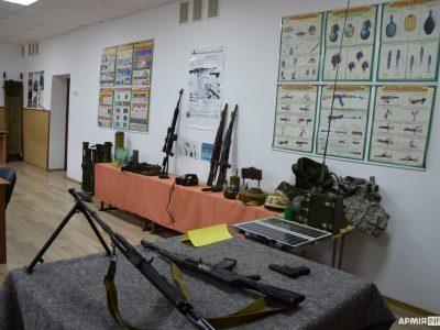 На Полтавщині ще 30 шкільних закладів отримають навчальну зброю