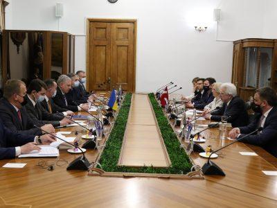 Міністр оборони України провів зустріч із делегацією Сейму Латвійської Республіки
