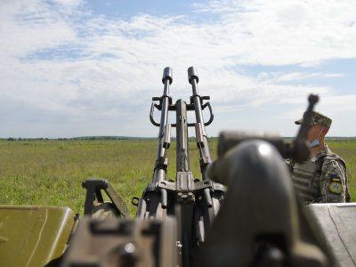 Як курсанти-зенітники знищували легкоброньовану техніку ворога
