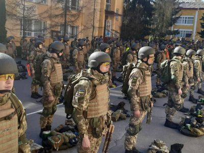 З українськими штурмовими гвинтівками UAR-15 на параді крокуватиме один із розрахунків  від Національної академії сухопутних військ