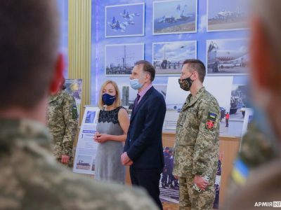 У Києві презентували спеціалізовану виставку, присвячену співпраці Україна − НАТО
