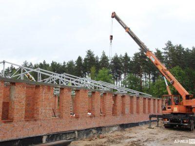 У навчальному артилерійському полку на Львівщині будують три нові казарми та їдальню
