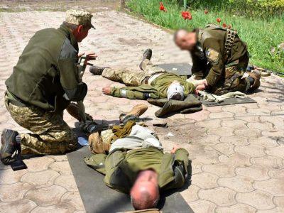 Передовий досвід медичного волонтера — військовослужбовцям