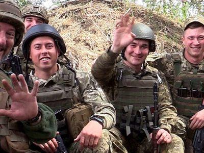 Зі святом, наші рідненькі: військові ООС привітали українок з Днем матері