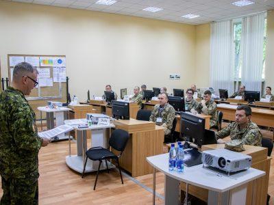 Військові радники НАТО залучаються до підготовки українських англомовних слухачів курсу офіцерів об'єднаних штабів оперативного рівня L-3