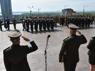 У Дніпрі відбувся урочистий випуск офіцерів для Держспецтрансслужби та служби військових сполучень