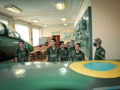 Французькі кадети-пілоти ознайомилися з підготовкою українських колег