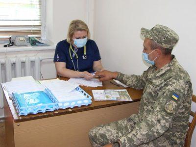 Військовослужбовці та працівники Вінницького гарнізону можуть вакцинуватися від COVID-19 на базі ВМКЦ ЦР