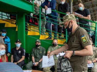 У Маріуполі учасники бойових дій отримали землю під забудову