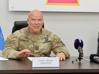 «Україна є одним з найцінніших партнерів НАТО» — командувач Сухопутних військ НАТО генерал-лейтенант Роджер Клутьє