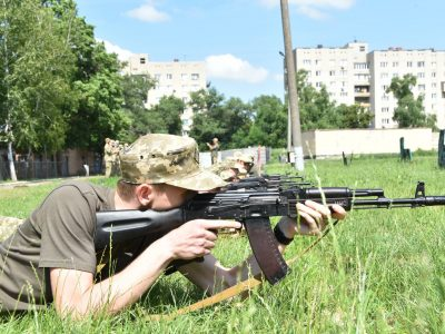 У Харкові близько 700 майбутніх офіцерів запасу проходять навчальні збори