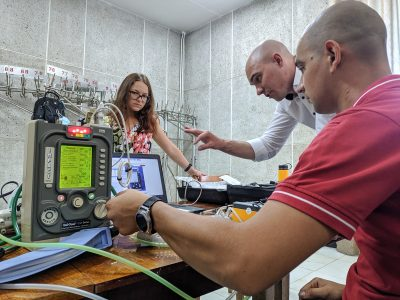 У Вінниці американські військові медики допомагають з калібруванням сучасної медичної апаратури