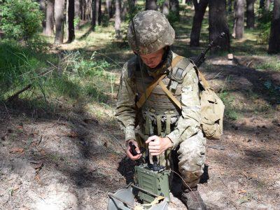 На Полтавщині майбутні офіцери запасу проходять польовий вишкіл