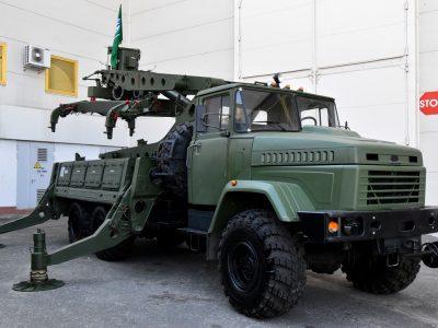 Чернігівські ремонтники вдосконалили заряджаючу машину до ЗРС С-300