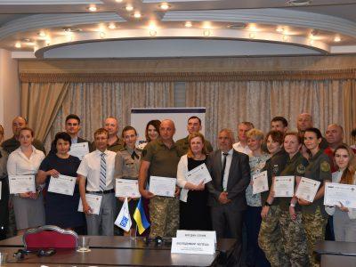 Відтепер сертифіковані тренери ЗСУ викладатимуть основи військово-цивільної взаємодії для колег з регіонів