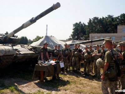 Полігонні «пригоди» курсантів-танкістів і військових хіміків