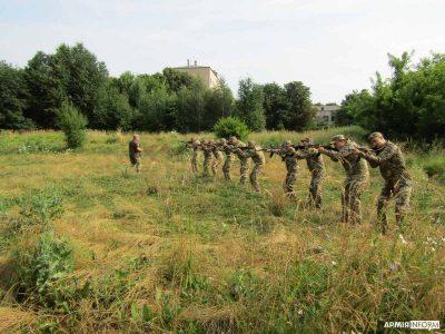 Майбутні офіцери запасу опановують курс первинної військово-професійної підготовки