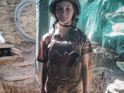 У свої двадцять Юлія рятує життя на війні