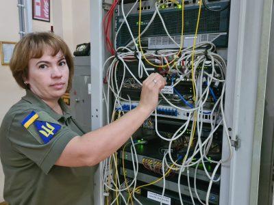 «Моя робота дуже відповідальна – забезпечення засекреченим зв'язком усього університету»