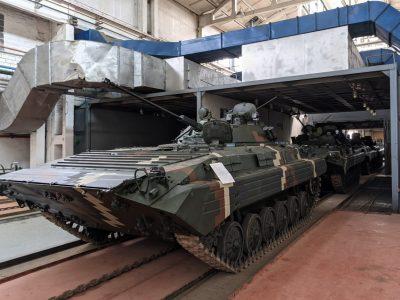 «Житомирський бронетанковий завод» передав військовим БМП-2 після капремонту