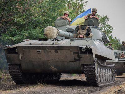 Артилеристи королівської бригади тренуються в районі ООС