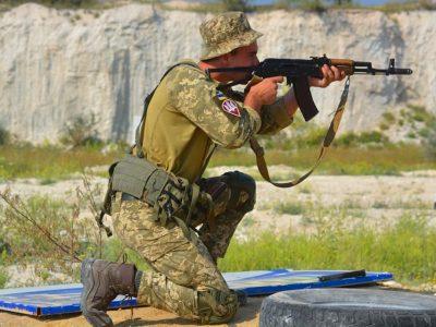 В окремій аеромобільній бригаді зі складу Об'єднаних сил пройшли змагання зі швидкісної стрільби