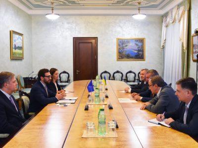 Олег Уруський провів офіційну зустріч з головою Представництва НАТО в Україні