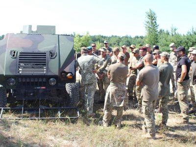 ЗС України збільшують кількість фахівців американських HMMWV