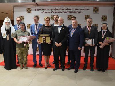 П'ятеро військових медиків отримали високі нагороди за професіоналізм і милосердя