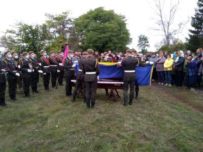 На Харківщині попрощалися із загиблим героєм Віктором Молостовим
