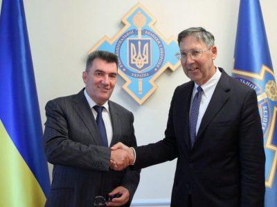 В РНБОУ обговорили українсько-американське співробітництво та збільшення військової допомоги США Україні