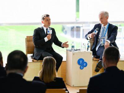 Володимир Зеленський: Росія не хоче швидкого закінчення війни на Донбасі, і потрібно змусити її мати бажання предметно говорити про деокупацію наших територій
