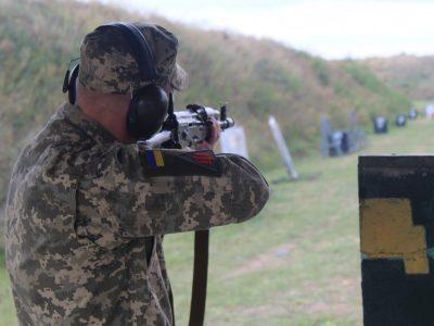Вартові повітряних кордонів України змагались у швидкісній стрільбі