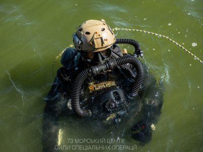 Бойові плавці відпрацьовують абордажні дії на кораблях