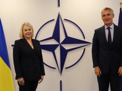 Новопризначена голова місії України при НАТО зустрілася з Генсеком Альянсу
