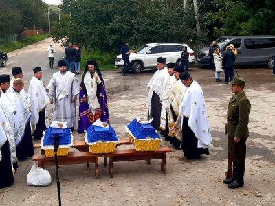 На Тернопільщині за участю військових перепоховали трьох воїнів УПА