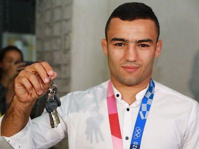 Армійському спортсмену, призеру Олімпіади в Токіо вручили ключі від квартири