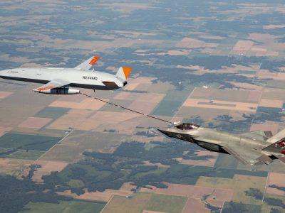 ВМС США за допомогою безпілотника провели першу дозаправку винищувача F-35C
