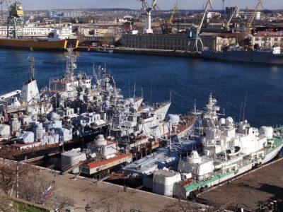 Шантаж та погрози – як Росія намагається повернути захоплені військові кораблі