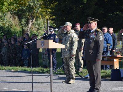 Воїни-вертолітники відзначили річницю створення військової частини