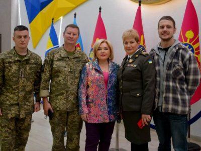Приємно, що в залі − військові, з якими зустрічалися на фронтових дорогах − Оксана Білозір