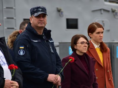 Депутати парламентів країн НАТО та їхніх союзників завітали в гості до українських військових моряків
