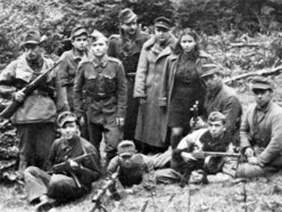 14 жовтня утворилась Українська повстанська армія