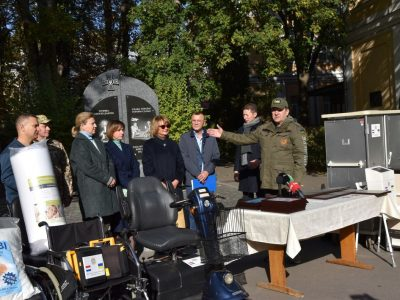Українська громада в Нідерландах передала 20 тонн гуманітарної допомоги для наших захисників