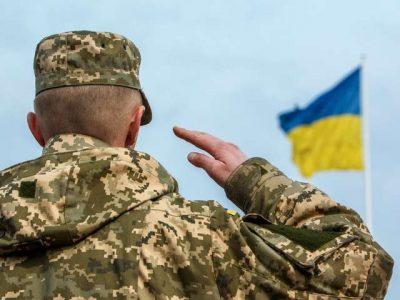«Не кожен чоловік – захисник України, не кожен захисник – чоловік!», або Чи варто вітати хлопчиків з Днем захисників та захисниць