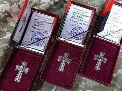 «Хрест Героя» вручили рідним загиблих на сході України воїнів