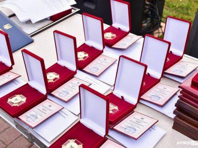 Почесні відзнаки та грошові винагороди отримали члени родин загиблих воїнів Чернігова